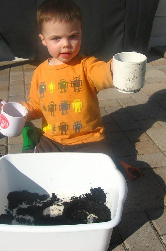 coffee grounds sensory play activities