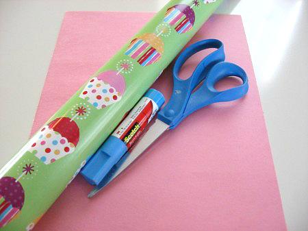 cupcake matching game supplies