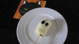Frozen Banana Ghost Treats For Halloween