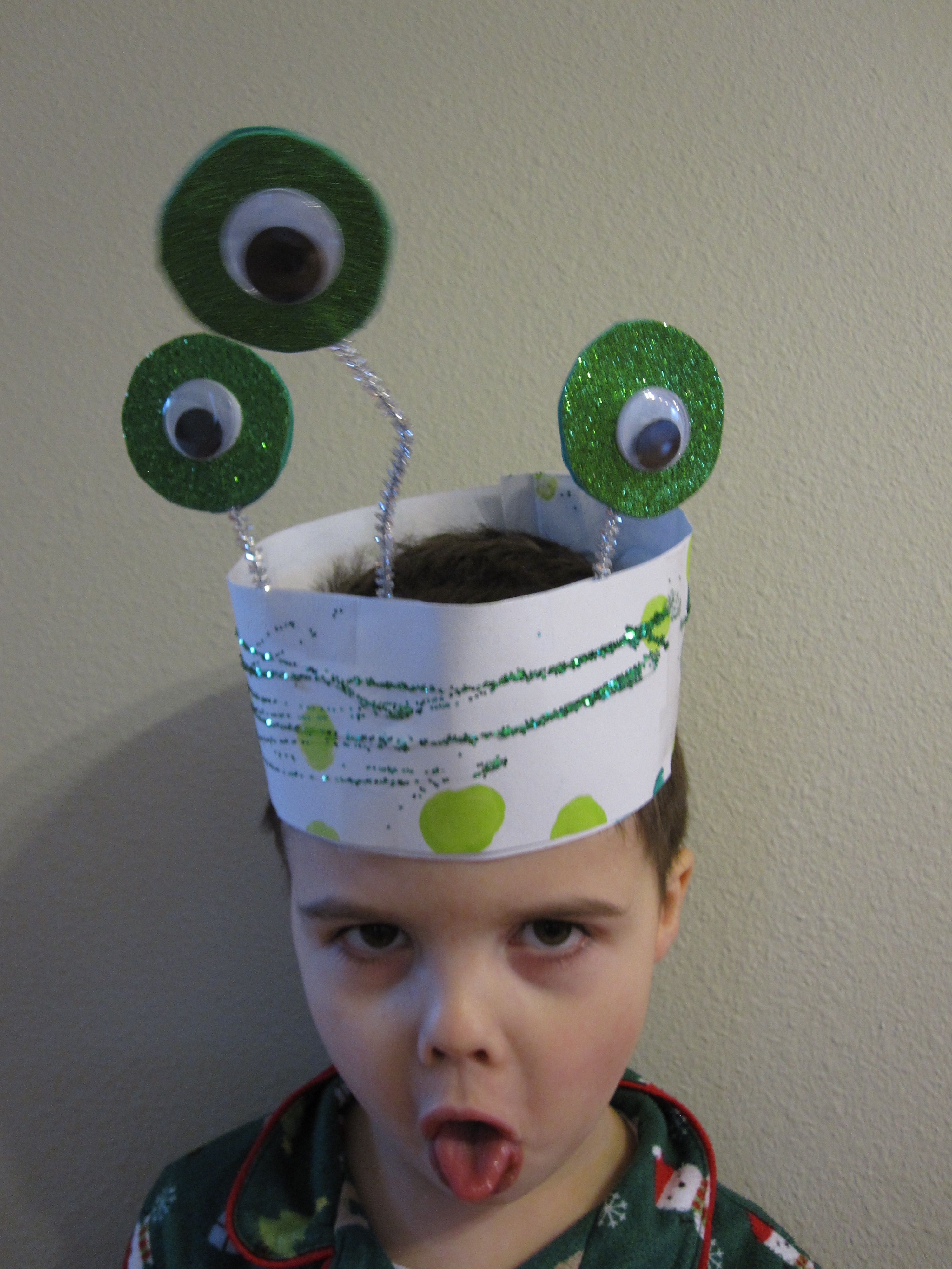 Alien dress up no time for flash cards for Craft hats for kids