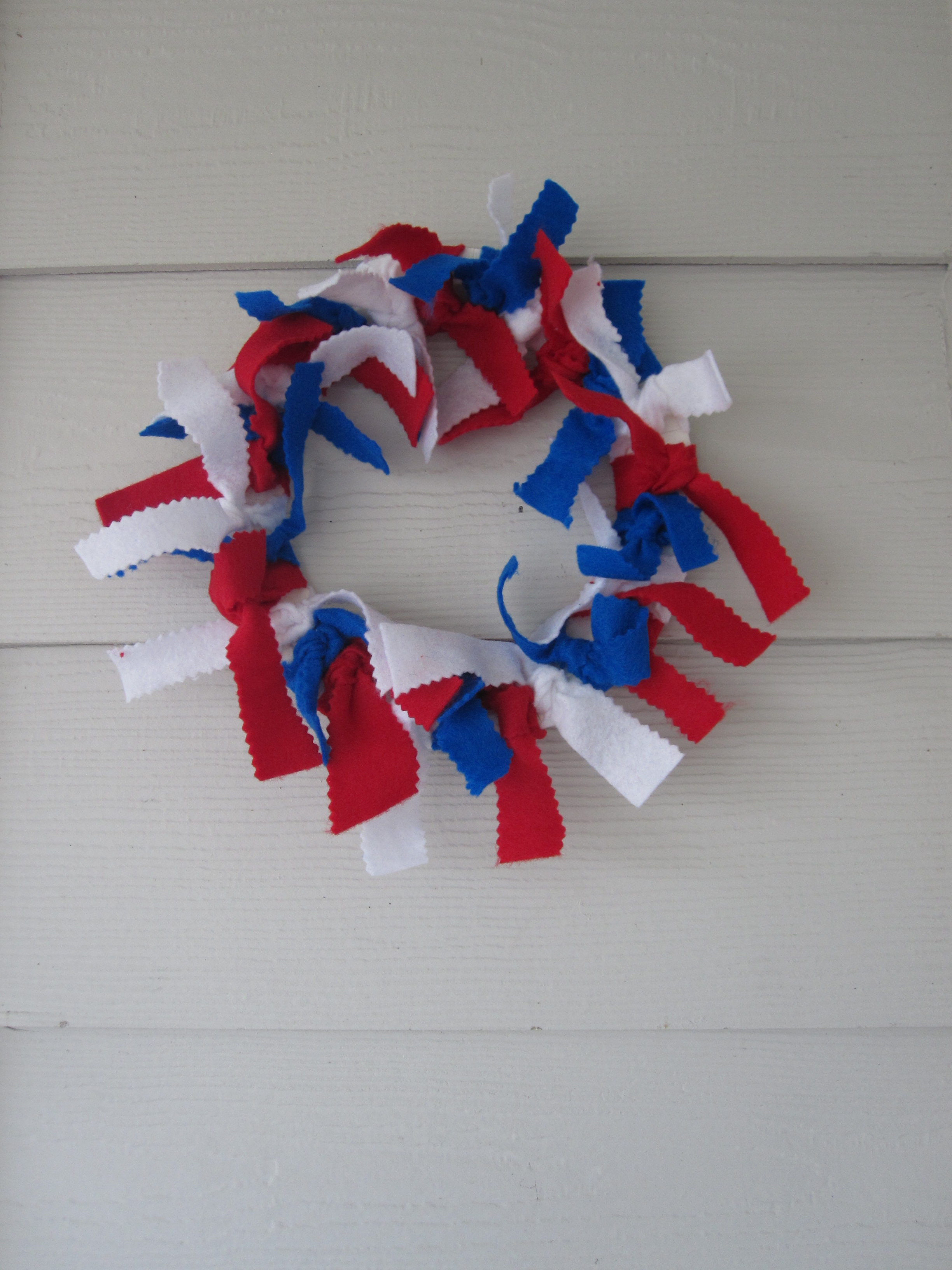 Diy super easy th of july wreath cafemom