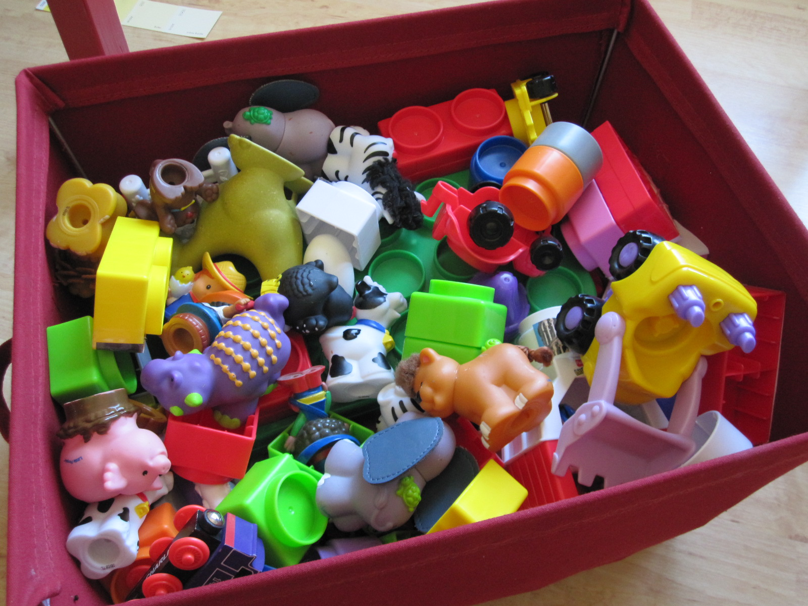 Day Care Toys : How to set up a playroom