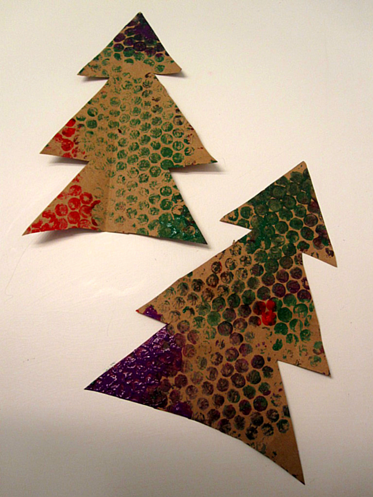 Bubble wrap christmas trees holiday craft for kids
