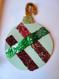 mess free glitter chirtmas tree ornament
