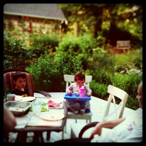 eat outside as a family