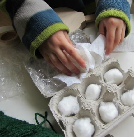 egg toss craft for kids