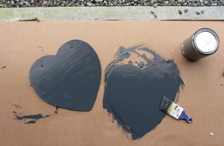 easy DIY heart shaped chalkboard