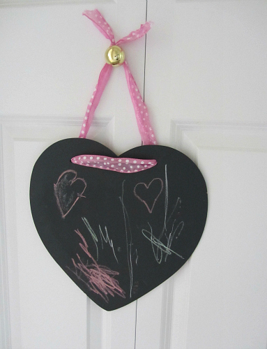 easy heart shaped chalk boards for valentine's day