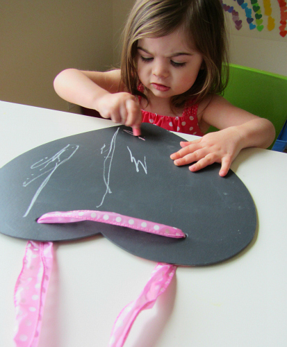 easy peasey heart shaped chalk boards
