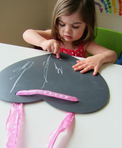 easy peasey heart shaped chalk boards