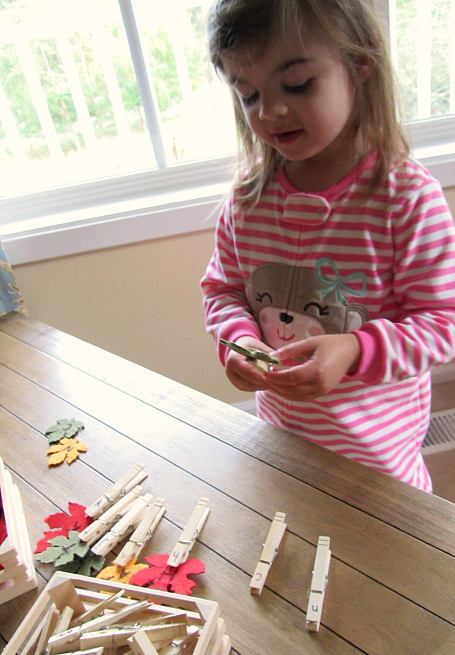Leaf letter matching game for kids
