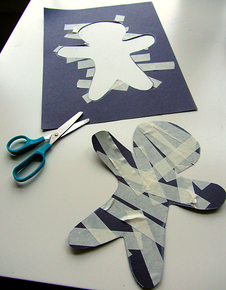 Easy masking tape mummy craft for preschool. Great Halloween idea.