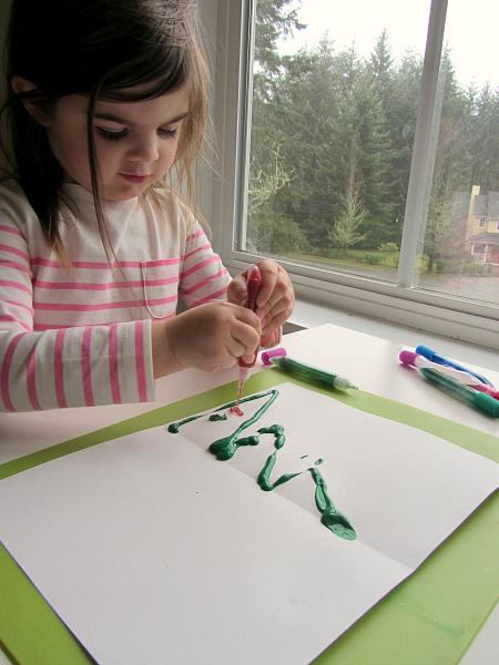 Blotto Christmas tree craft for preschool