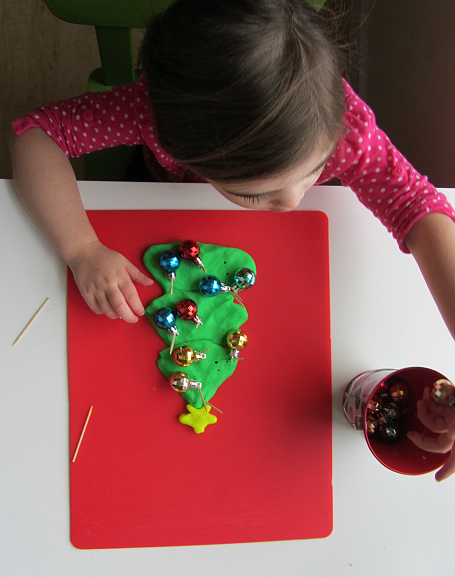 fine motor christmas activity for kids