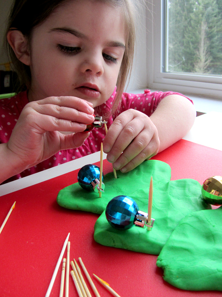fine motor winter activities