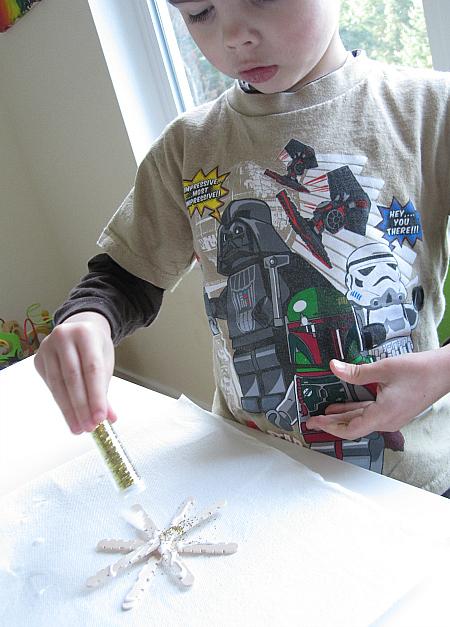 popscicle stick snowflake craft