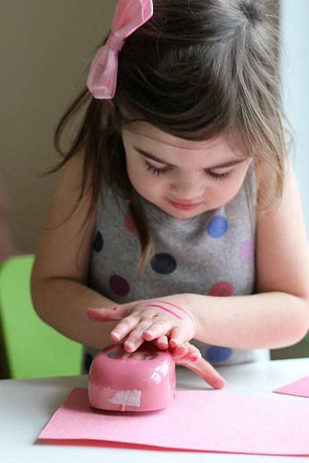 valentine's day love bug craft for little kids