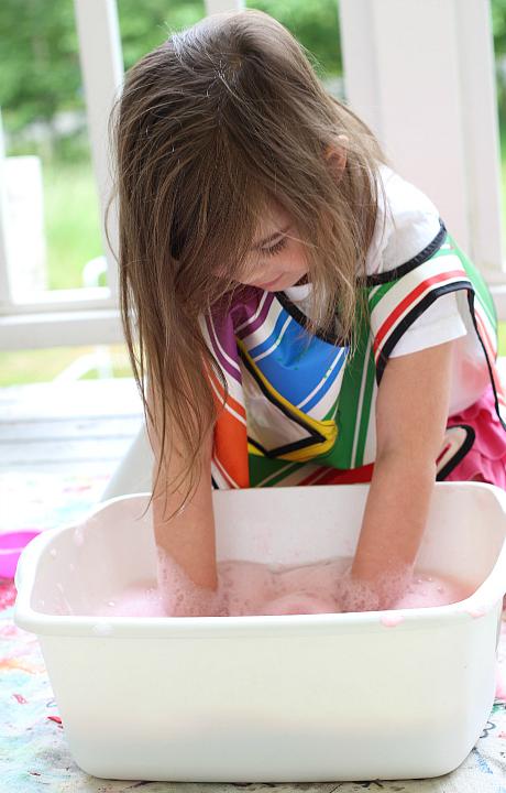 bubble bin whisking bubbles