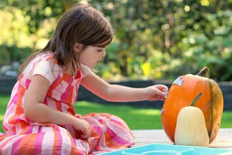 no mess pumpkin carving for children