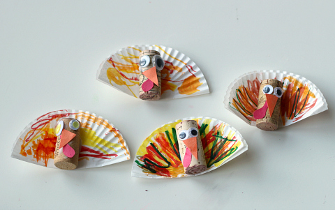 cupcake liner turkey craft with corks