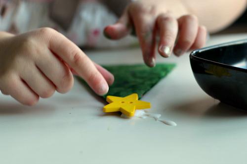 button tree craft for preschool