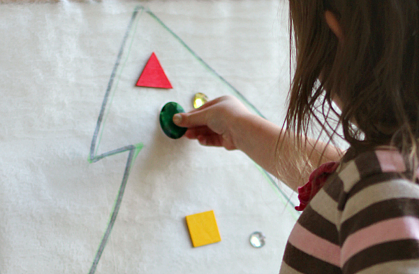 fine motor skills christmas tree activity