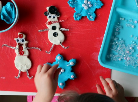 winter play dough for preschool fine motor pincer grasp