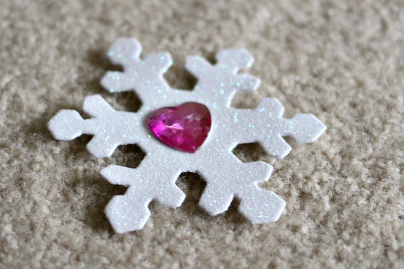 frozen inspired snowflake game