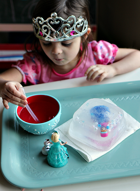 frreze and thaw anna frozen science experiment for preschool