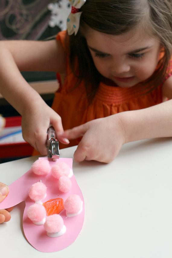mitten craft for kindergarten