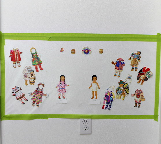 paper doll wall ready to play
