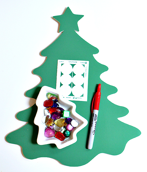 christmas tree roll an ornament game for preschool