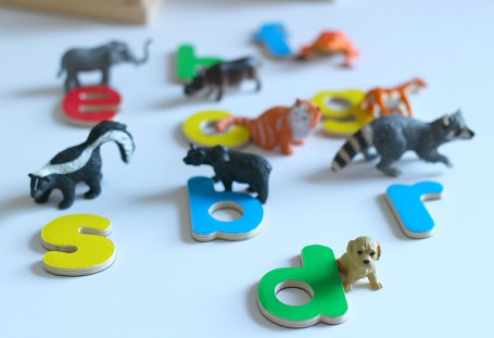 animal letter sounds matching game for kindergarten and pre-k