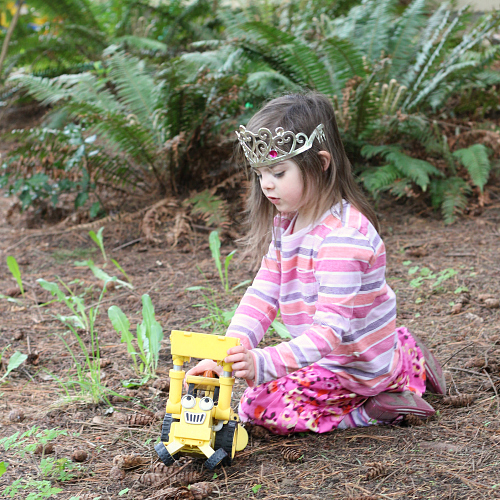 playing outside 21 ways to get your kids outside
