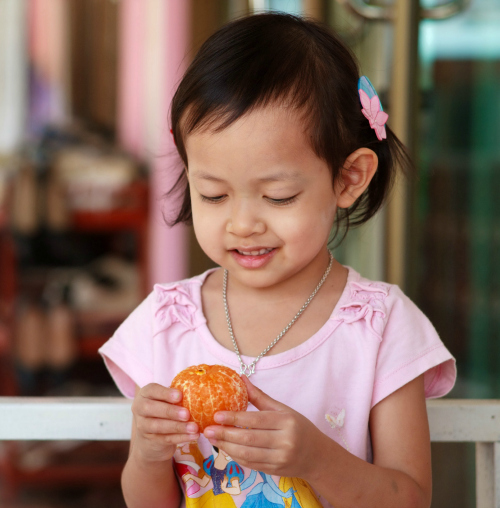 Peeling oranges is a great free choice activity for preschool. Lots of other ideas from no time for flash cards