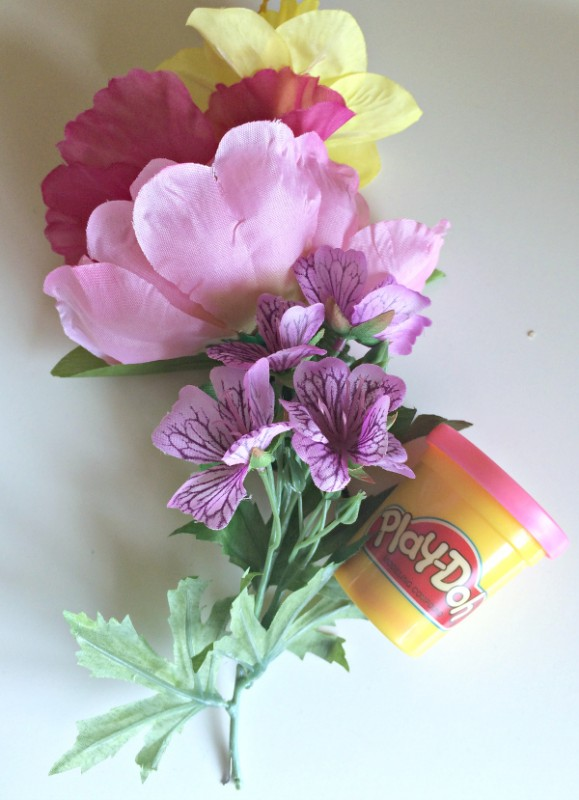 Easy mother's day craft for preschool, perfect for mother's day tea.