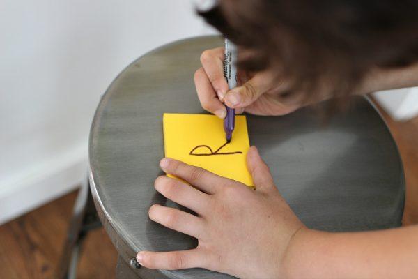 Post-it Notes help kids learn