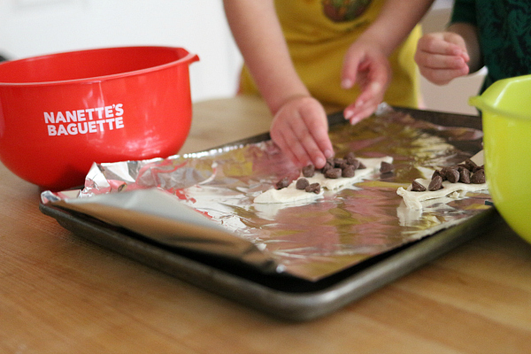 baking-playdate-with-nanettes-baguette