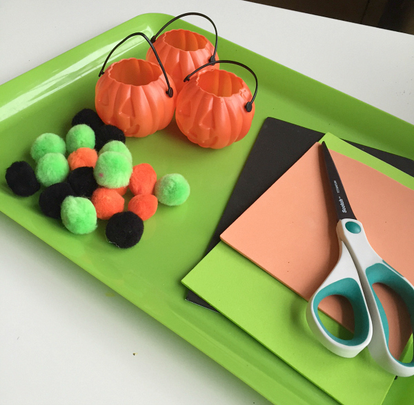 Sorting activity for preschool with a Halloween theme