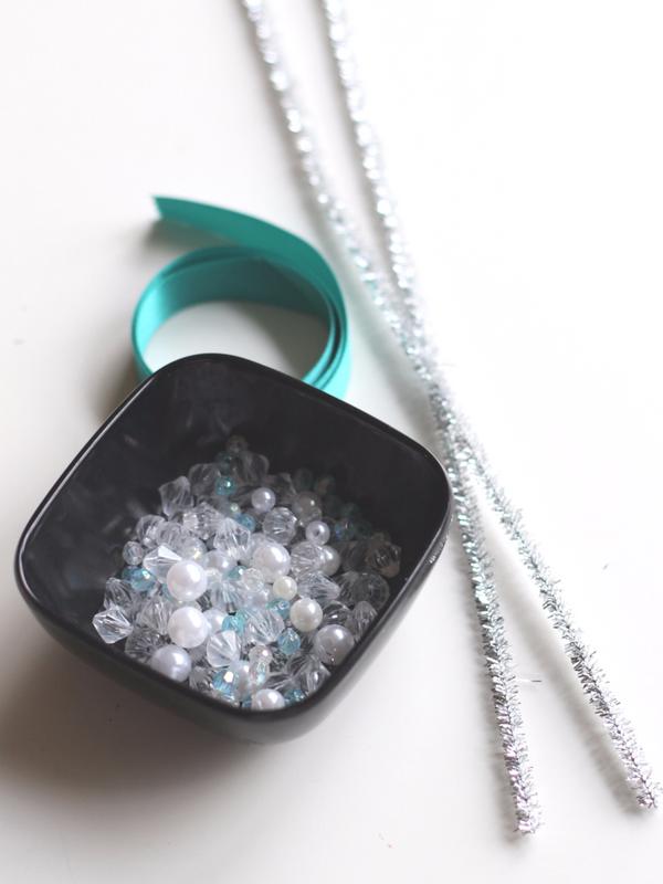 how-to-make-a-beaded-snowflake