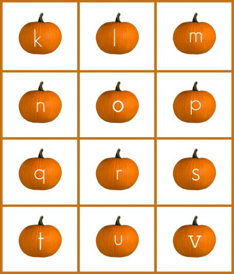 alphabet-pumpkins-for-sensory-writing-tray-5