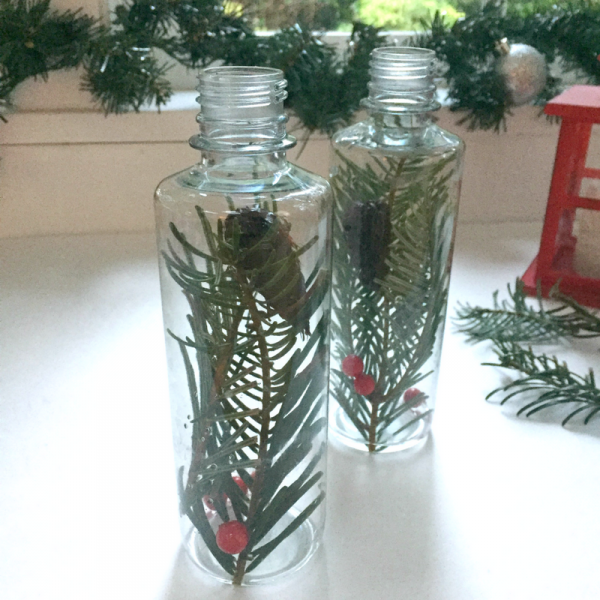 christmas-tree-sensory-bottle-fun-christmas-activity-for-preschool