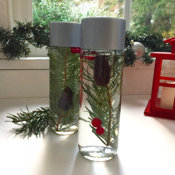 christmas-tree-sensory-bottle-fun-christmas-activity-for-preschool-science-and-sensory-areas