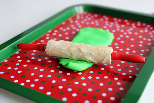 texture-rolling-pin-for-play-dough-play-area