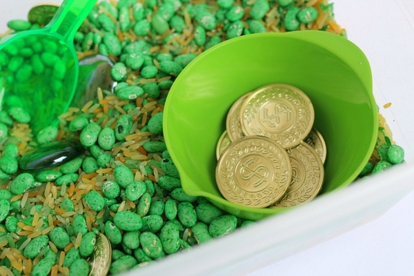 Counting gold st. patricks day sensory bin