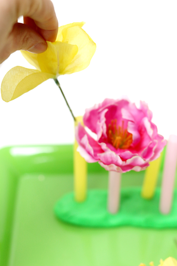 color matching flower tray for hand eye coordination development