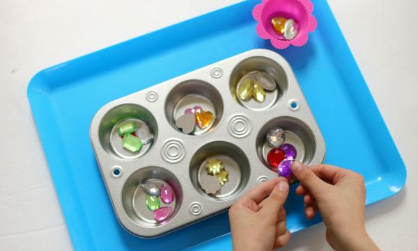 gem shape sorting tray for preschool