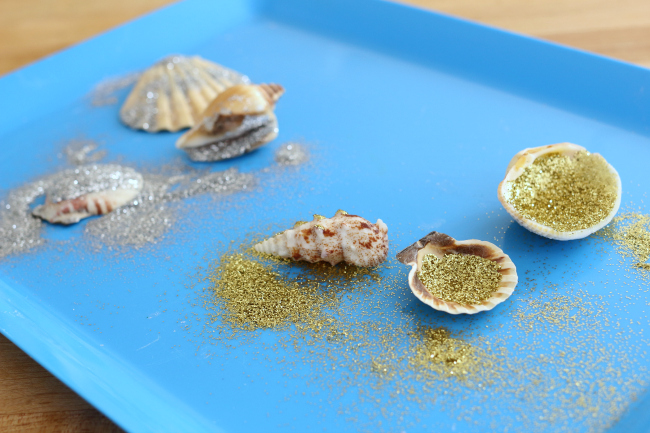 glittered beach shells art project