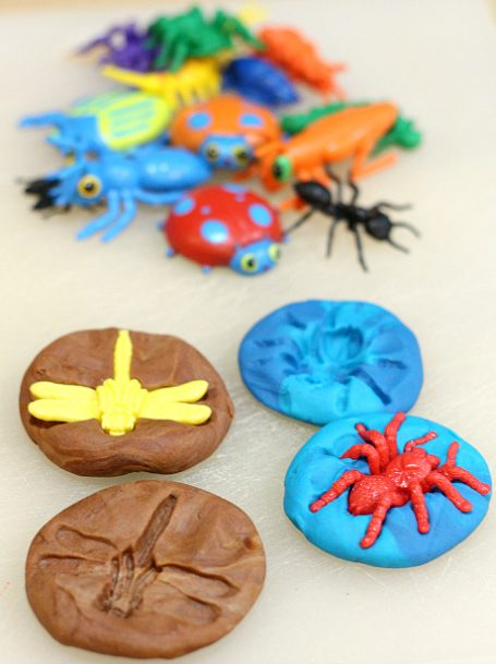 playdough-bug-fossils