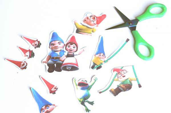 #ad Sherlock Gnomes Fairy Garden (1)